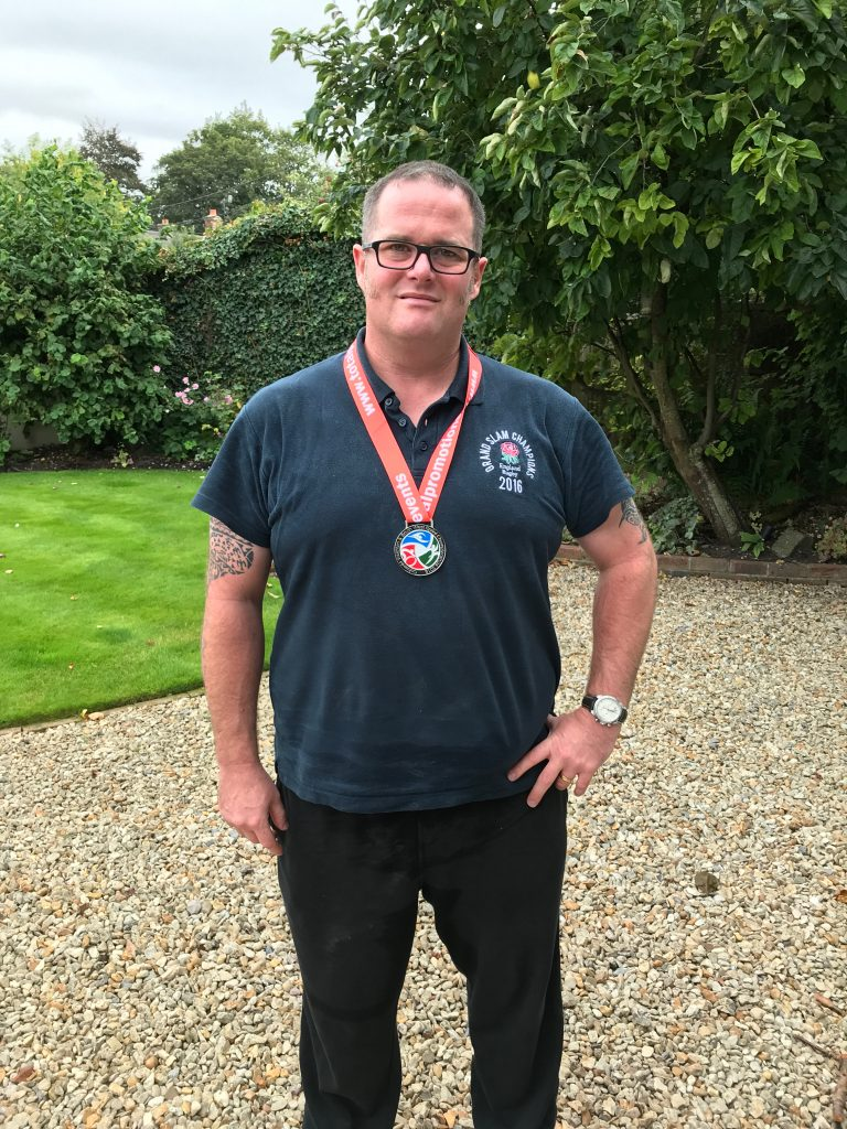 lk-cotswold-tri-with-medal